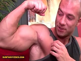 Hung str8 dude fucked by hot bodybuilder.
