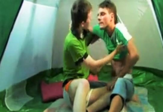 Twinks Have Fun In The Tent