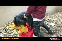 Chinese Creampie On A Garbage Dump